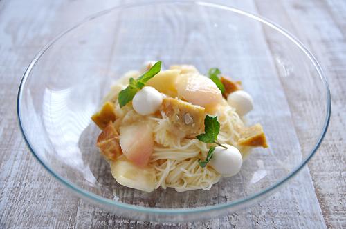 「カリー蒲鉾」で桃の冷製パスタ