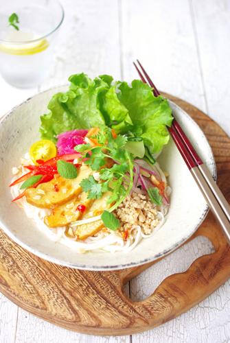 「カリー蒲鉾」でベトナム風混ぜそば&シンプルなチーズ焼き
