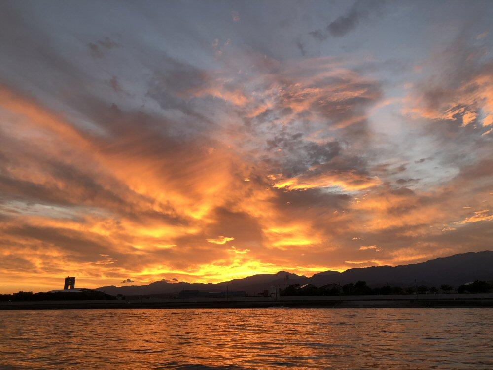 富山湾の朝焼け!